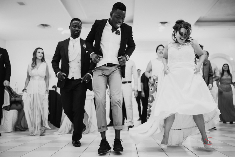 wedding dancing party in Ancona Italy by Luca Savino